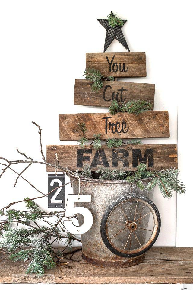 Pallet Christmas Tree Sign #Christmas #Christmastree #pallet #decorhomeideas