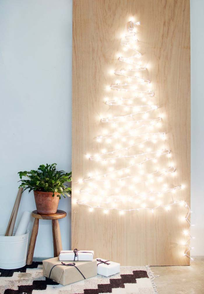 Peg Board Tree #Christmas #Christmastree #nontraditional #decorhomeideas