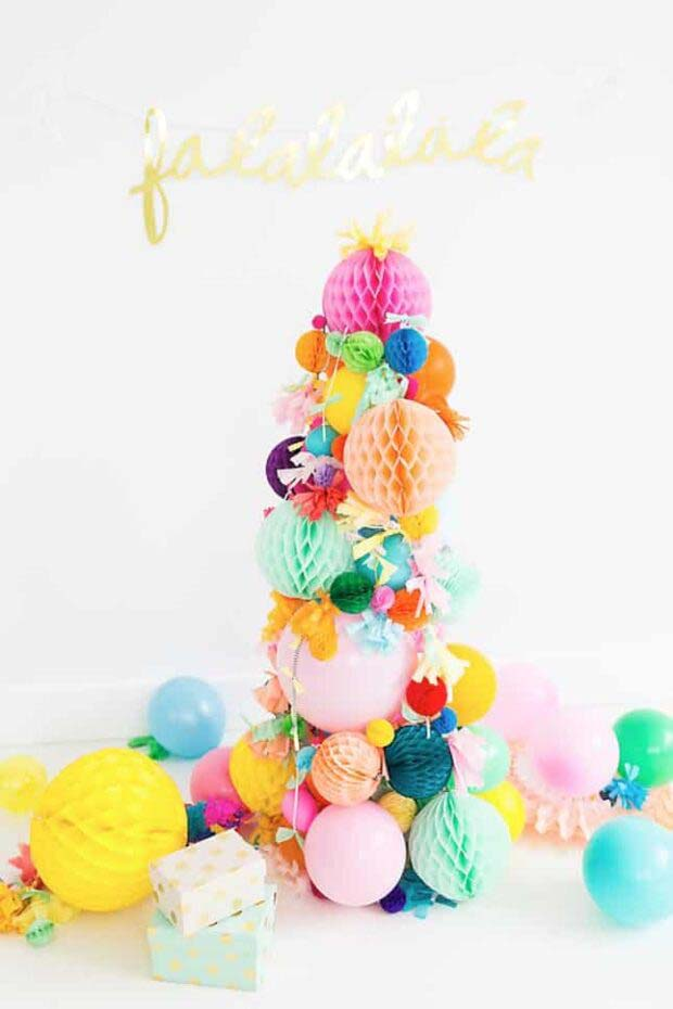 Pom Poms #Christmas #Christmastree #nontraditional #decorhomeideas