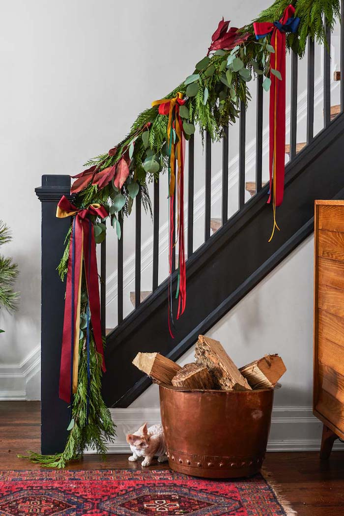Rely on Floral Wire #Christmas #hanginghacks #decorhomeideas
