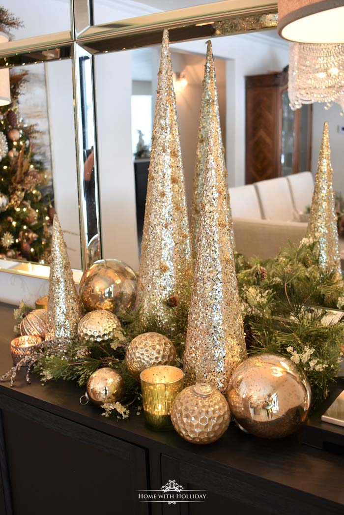 Silver and Gold Christmas Centerpiece #Christmas #cheap #elegant #decorhomeideas