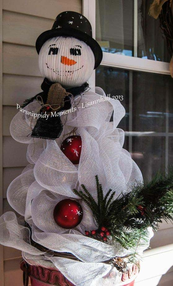 Snowman From Tomato Cages #Christmas #snowman #crafts #decorhomeideas