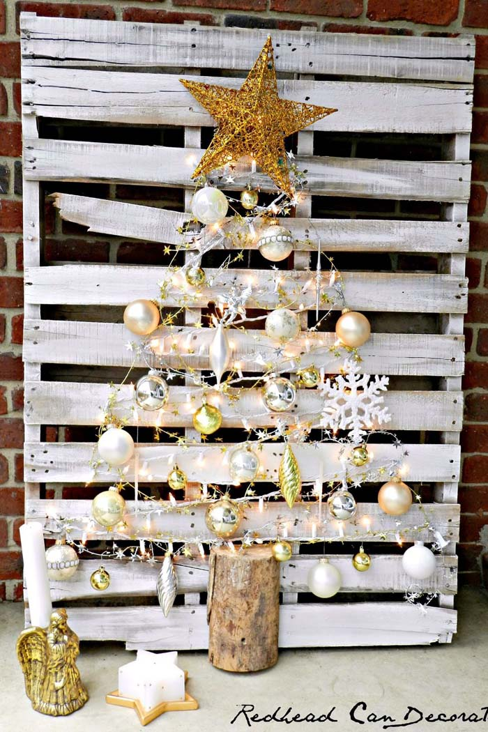 String Light Pallet Christmas Tree #Christmas #Christmastree #pallet #decorhomeideas