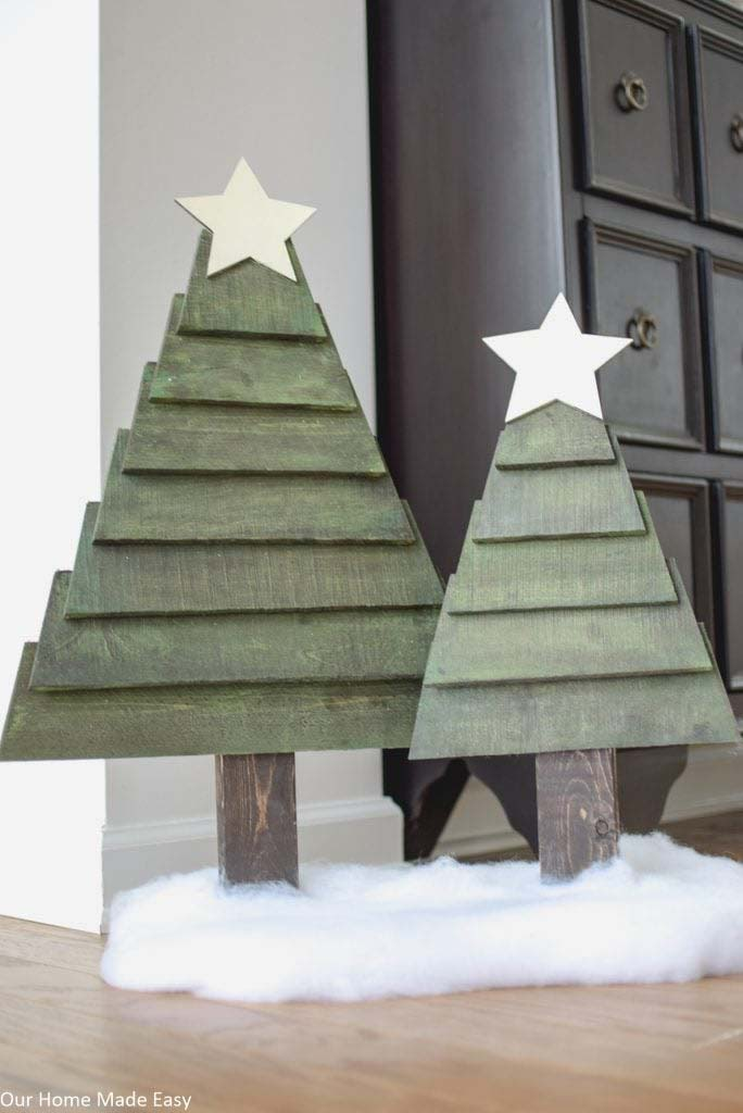Traditional Pallet Christmas Trees #Christmas #Christmastree #pallet #decorhomeideas