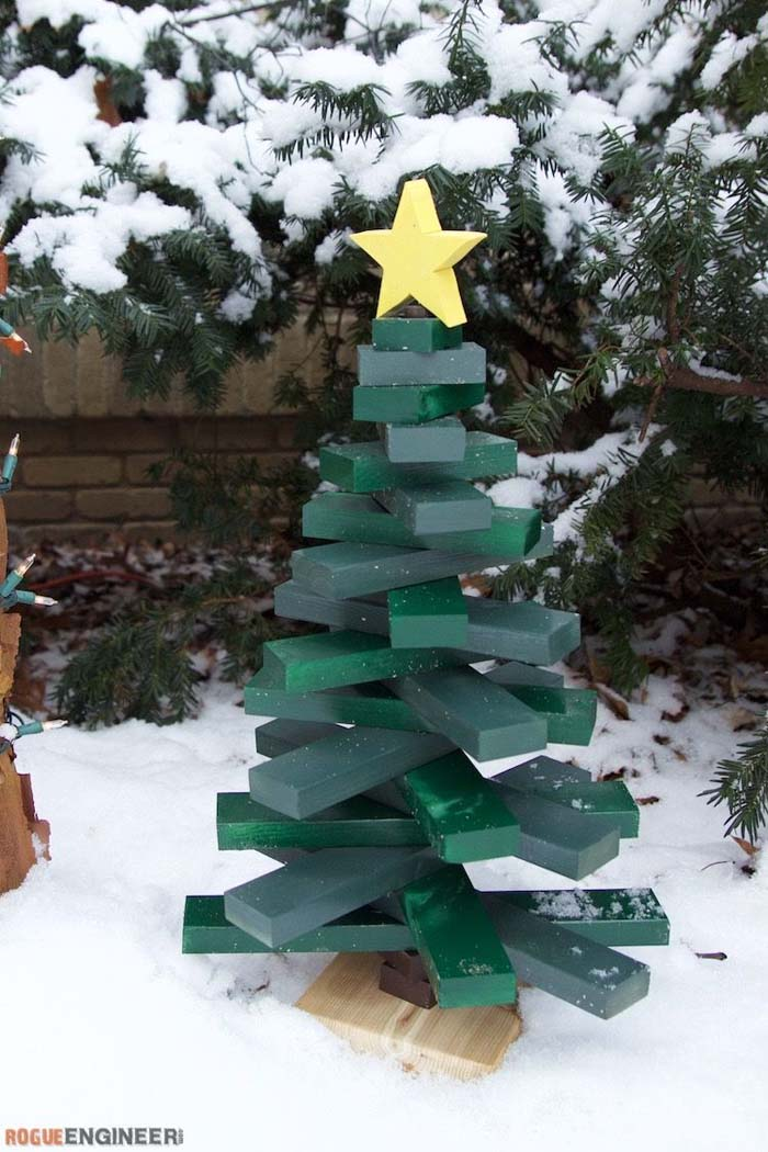 Wooden Christmas Tree #Christmas #Christmastree #pallet #decorhomeideas