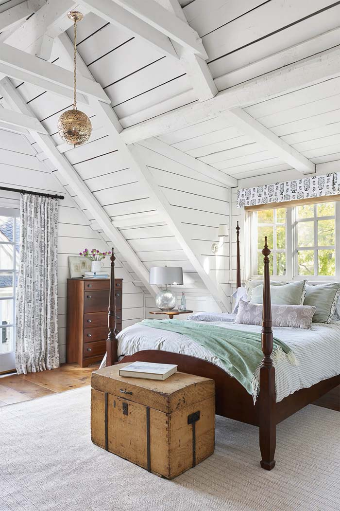 Add Character with Vaulted Ceilings #farmhouse #design #decorhomeideas