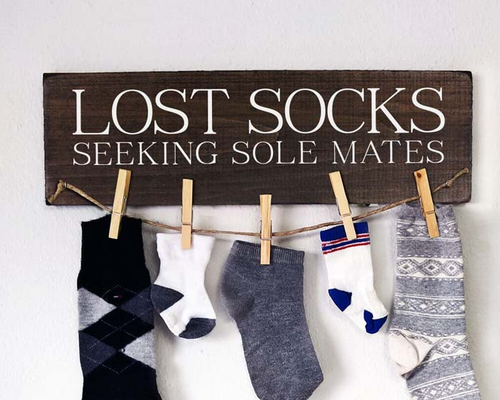 Adorable Place to Store Lost Socks #farmhouse #laundryroom #decorhomeideas