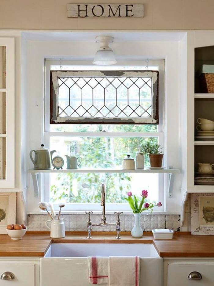 Antique Window Decoration Cottage Kitchen #cottage #kitchen #decorhomeideas