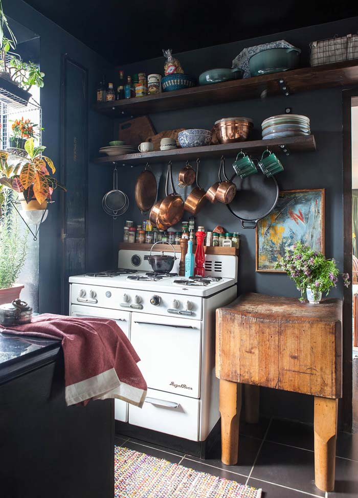 Beautiful Chaos Blue Cottage Kitchen #cottage #kitchen #decorhomeideas