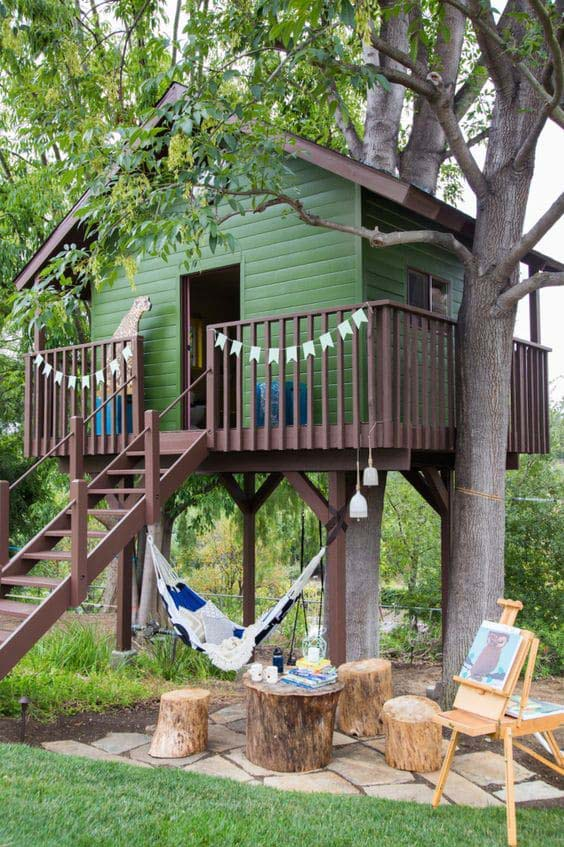 Charming Backyard Treehouse #backyardhouse #decorhomeideas