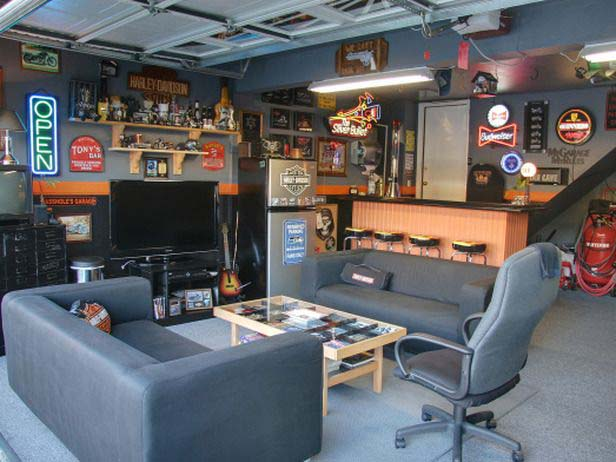 Cool Colored Garage #mancave #decorhomeideas