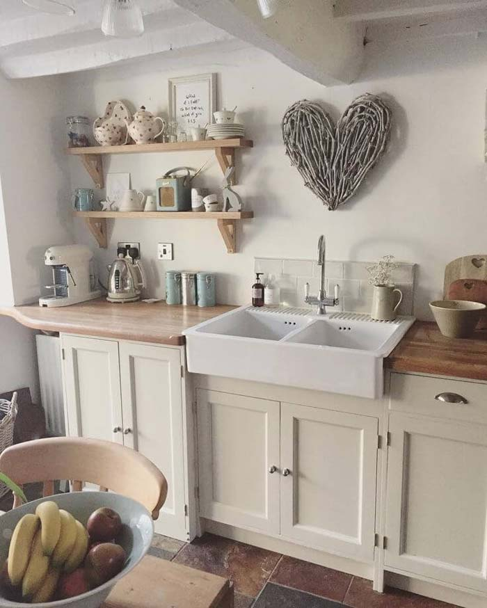 Country at Heart Cottage Kitchen Decor #cottage #kitchen #decorhomeideas