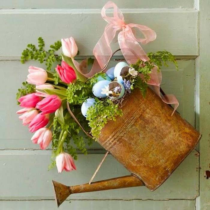 Create a Watering Can Spring Decoration #spring #decor #decorhomeideas