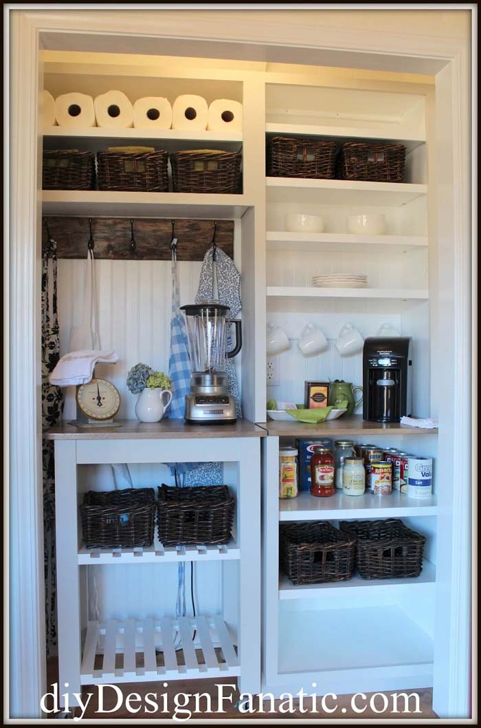 Custom Cabinets for a Transformed Closet Pantry #pantry #shelves #decorhomeideas