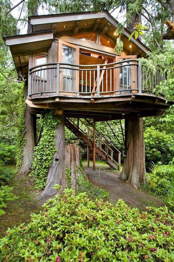 Elegant Backyard Guest Treehouse #backyardhouse #decorhomeideas
