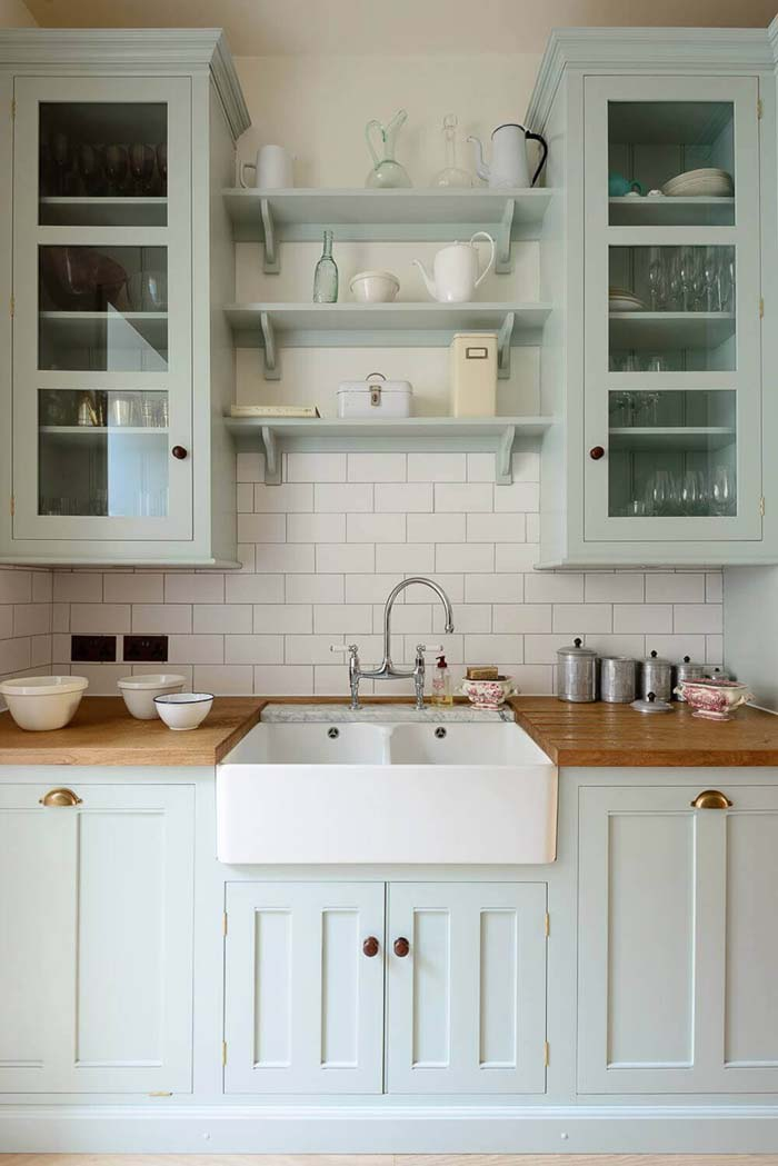 Farmhouse Sink and Subtle Color Kitchen #cottage #kitchen #decorhomeideas