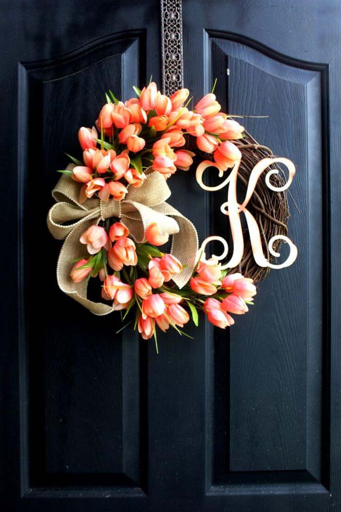 Festive Floral and Burlap Monogram Wreath #spring #decor #decorhomeideas
