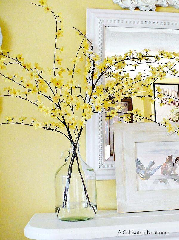 Fill a Vase with Beautiful Floral Branches #spring #decor #decorhomeideas