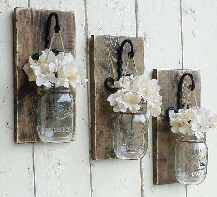 Hanging Mason Jars Filled with Flowers #spring #decor #decorhomeideas