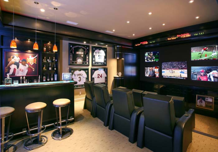 Hanging Out at the Sports Bar #mancave #decorhomeideas