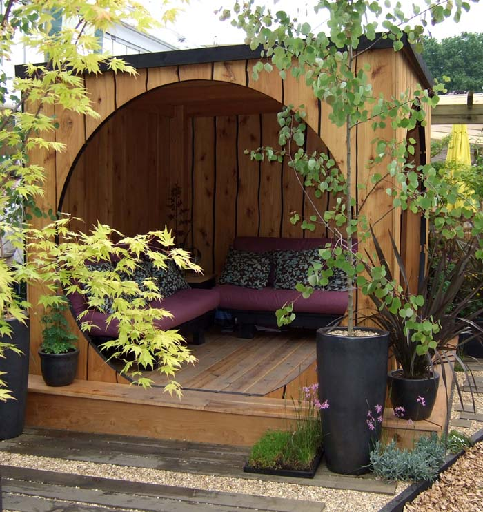 Hobbit-Hole Backyard Seating Area #backyardhouse #decorhomeideas