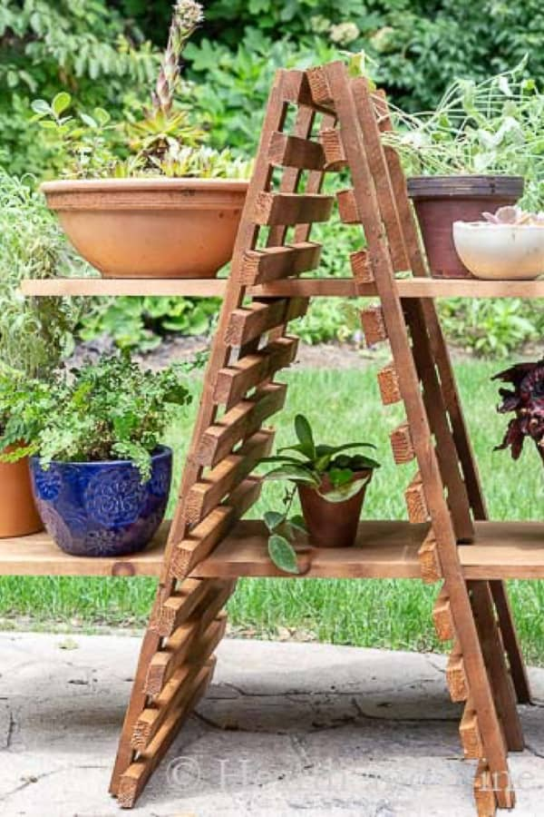 How to Make an Outdoor Plant Stand for Multiple Plants #diy #plantstand #decorhomeideas