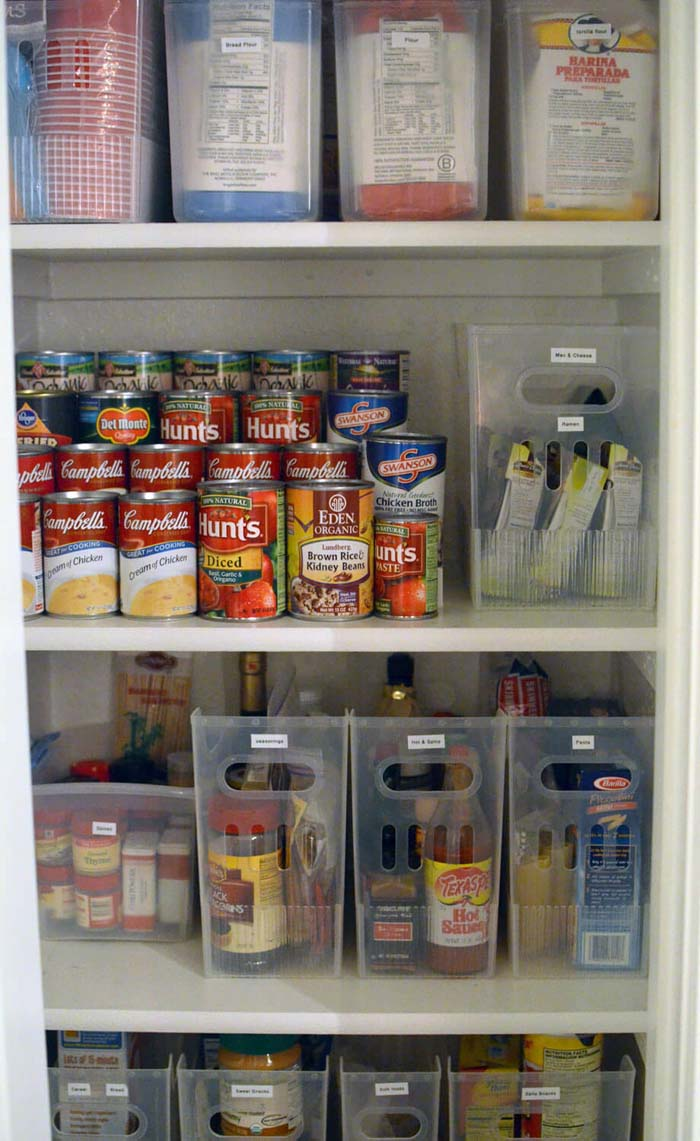 Labeling Can be Key to Maintaining Organization #pantry #shelves #decorhomeideas