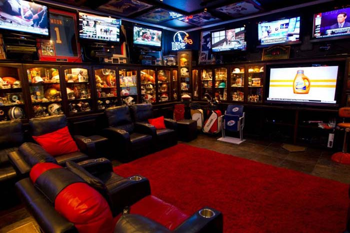 Making a Bold Statement #mancave #decorhomeideas