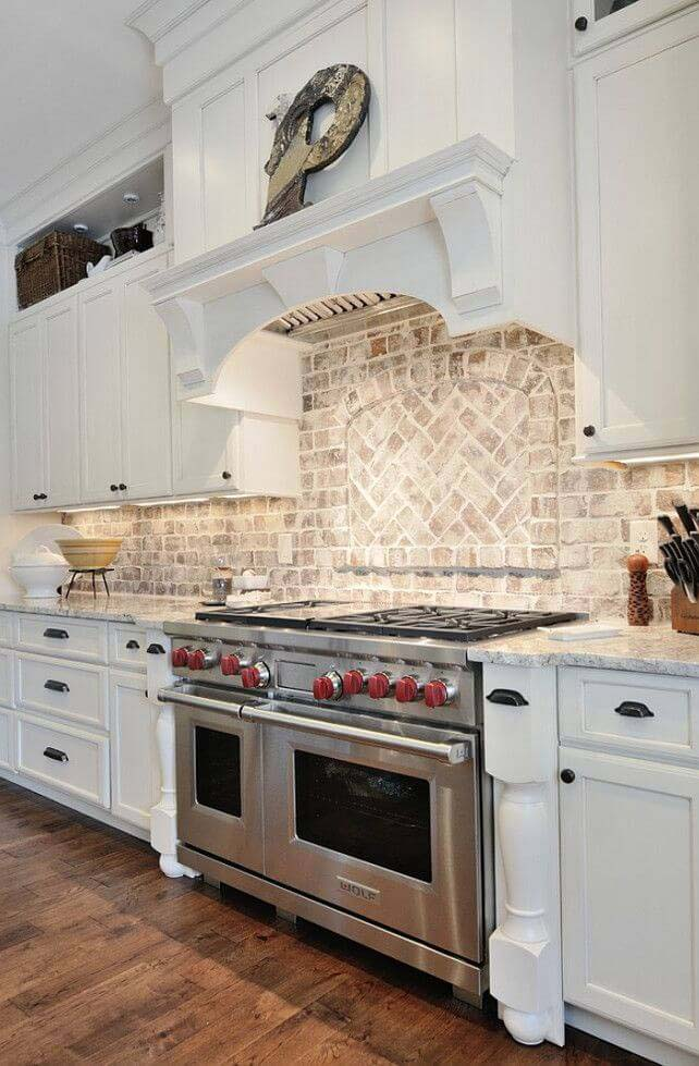 New England Style Colonial Kitchen #rustic #kitchencabinet #decorhomeideas