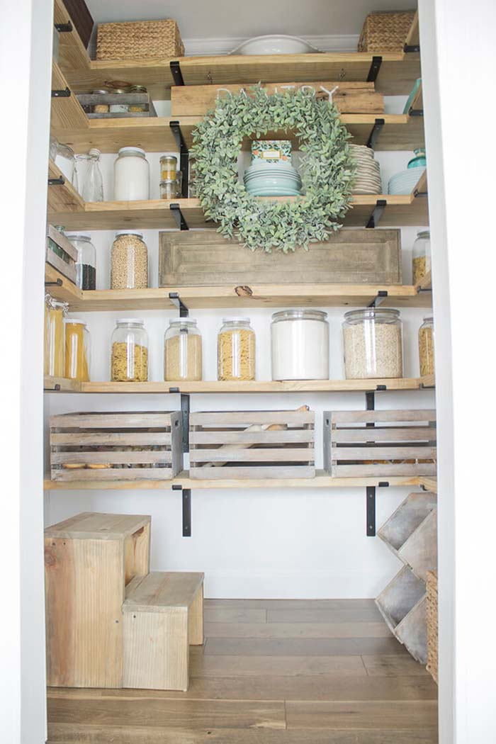 Odd Space to Country Pantry Storage Idea #pantry #shelves #decorhomeideas