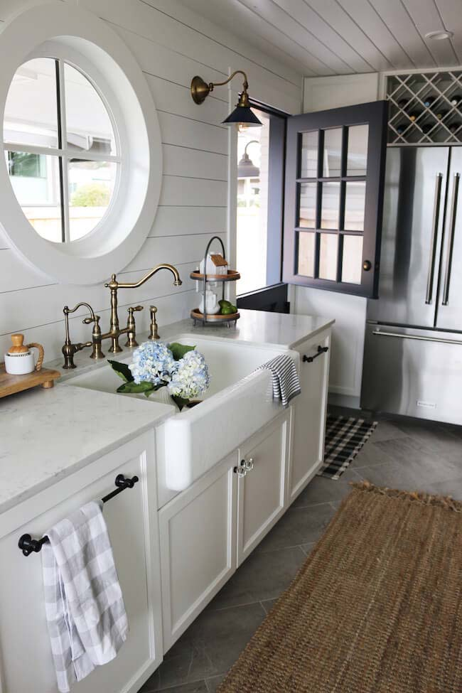 Porthole Window, Dutch Door Cottage Kitchen #cottage #kitchen #decorhomeideas
