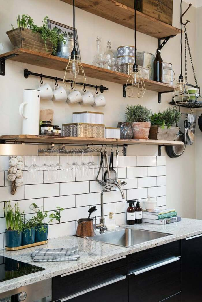 Pretty Storage Cottage Kitchen Ideas #cottage #kitchen #decorhomeideas