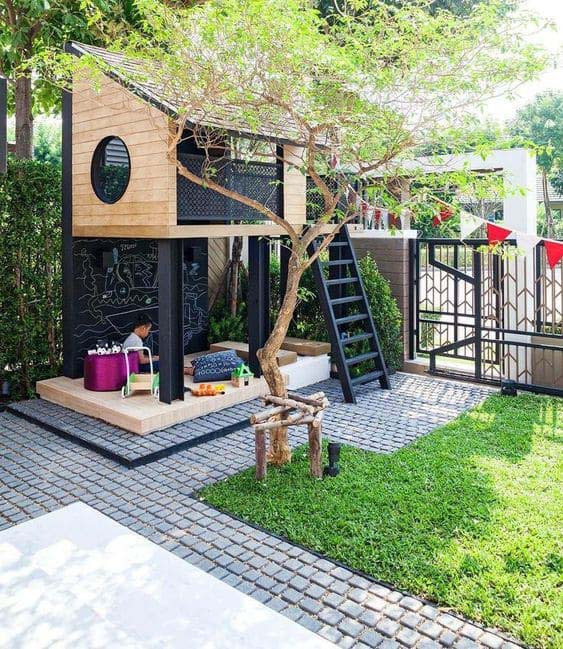 Raised Play Structure with Playhouse #backyardhouse #decorhomeideas