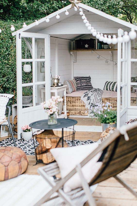Romantic Cottage-Style Backyard Getaway #backyardhouse #decorhomeideas