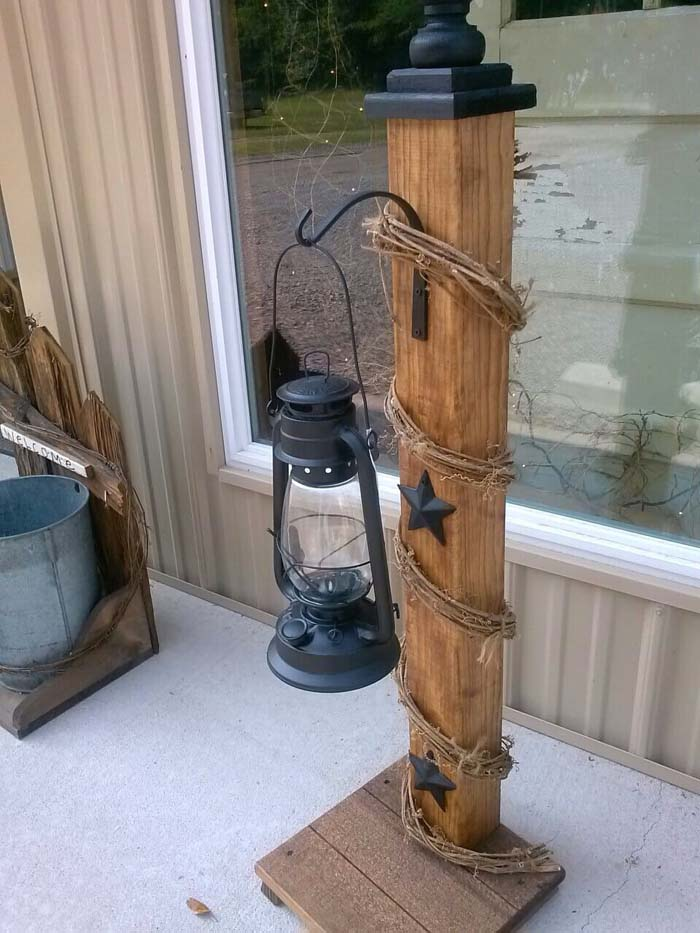 Rustic Front Porch Welcome Post Ideas #porch #post #decorhomeideas
