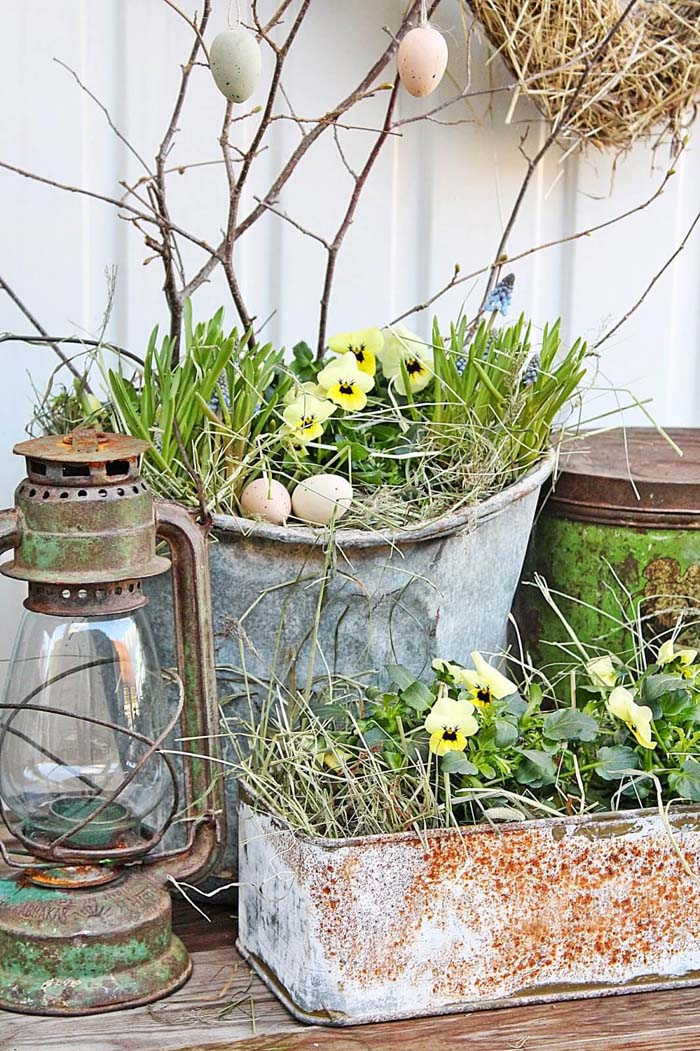 Shabby Chic Easter or Spring Planters #spring #frontporch #decor #decorhomeideas