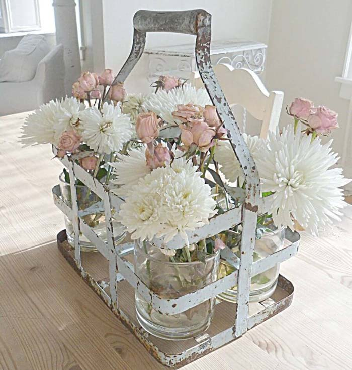 Shabby Chic Milk Crate Floral Display #spring #decor #decorhomeideas