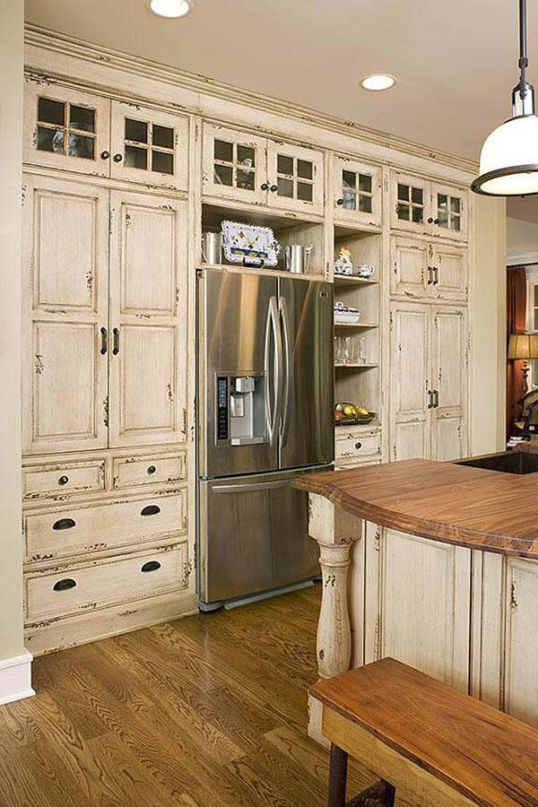 Shabby Chic Pantry Style Cabinets #rustic #kitchencabinet #decorhomeideas