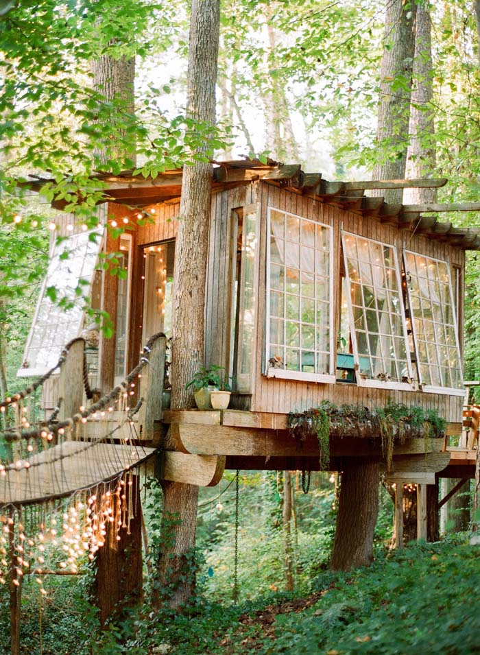 Treehouse with a Hanging Bridge and a View #backyardhouse #decorhomeideas