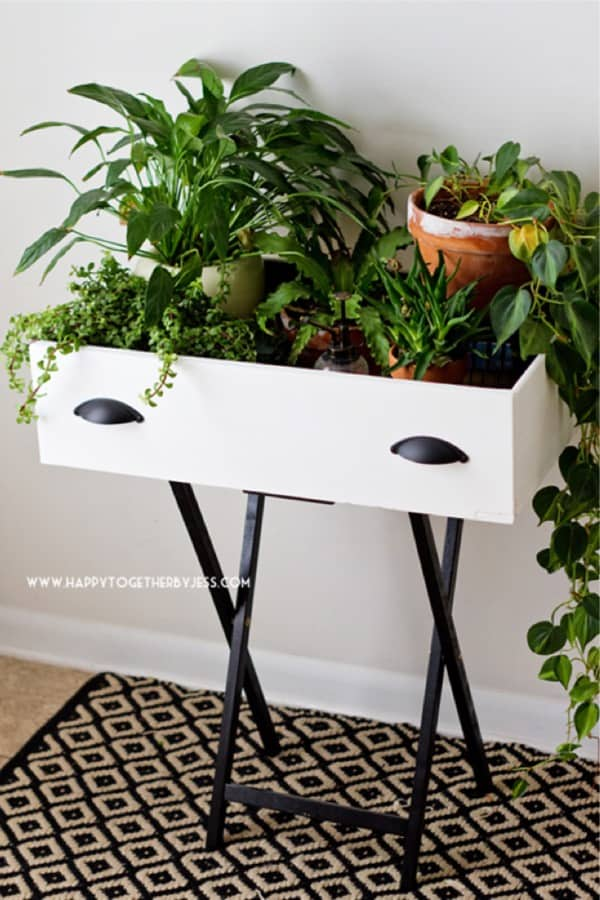 Upcycled Drawer Plant Stand DIY #diy #plantstand #decorhomeideas