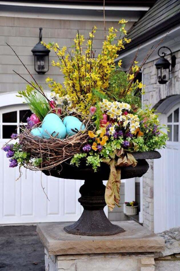 Use Natural Elements for an Outdoor Display #spring #decor #decorhomeideas