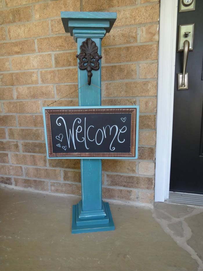 Whimsical Post and Chalkboard Welcome Sign #porch #post #decorhomeideas