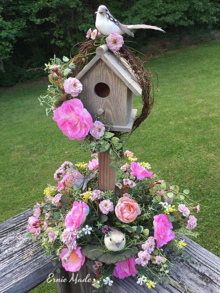 A Lovely Spring Garden Decor Birdhouse with Floral Delights #outdoor #springdecor #decorhomeideas