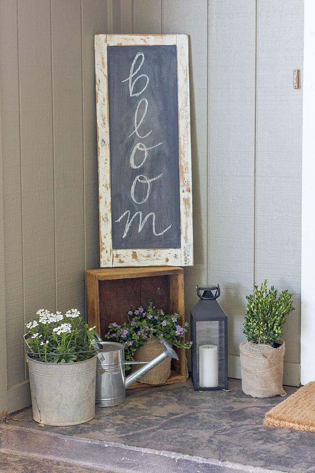 Chalkboard Sign, Galvanized Metal and Burlap Planters #rustic #springdecor #porch #decorhomeideas