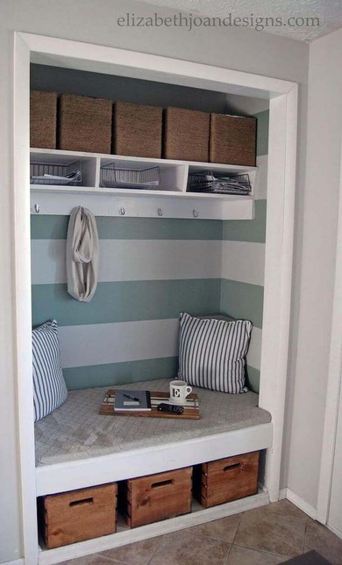 Clever Coat Closet to Entryway Bench Project #entrywaybench #diy #decorhomeideas