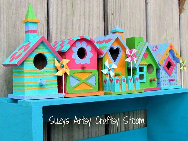 Colorful Tiny Birdhouses #outdoor #springdecor #decorhomeideas