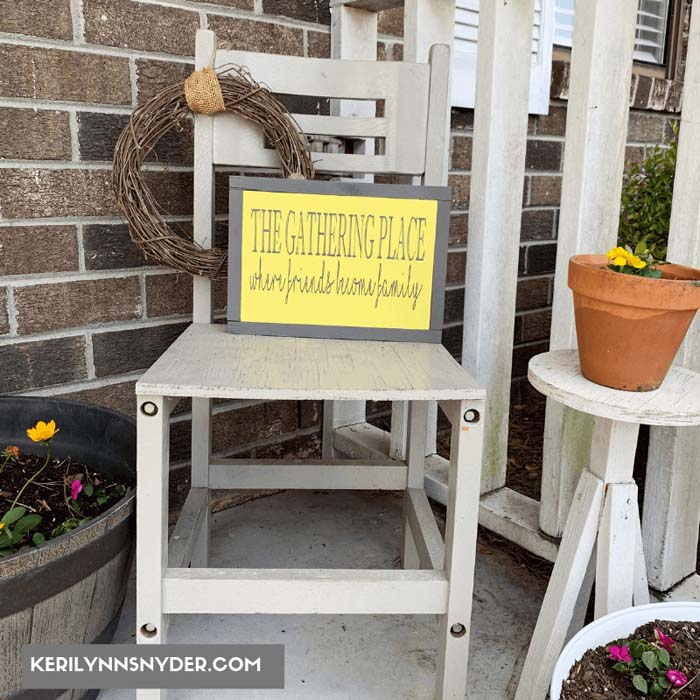 Calm, Cute and Country Style To Grace Your Porch #outdoor #springdecor #decorhomeideas