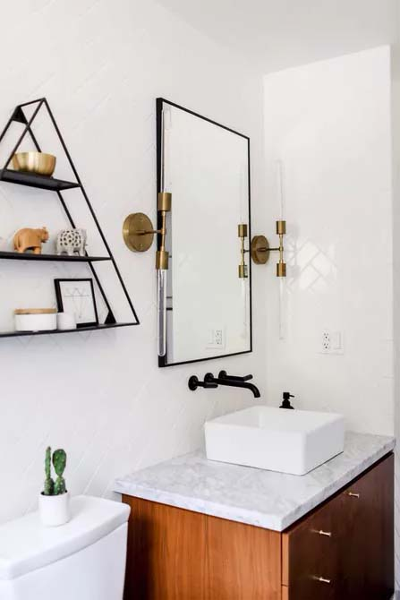 Diagonal Tile Pattern for Visual Interest #showertile #bathroom #decorhomeideas