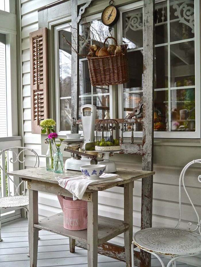 Distressed Outdoor Country Store Display #rustic #porch #vintage #decorhomeideas