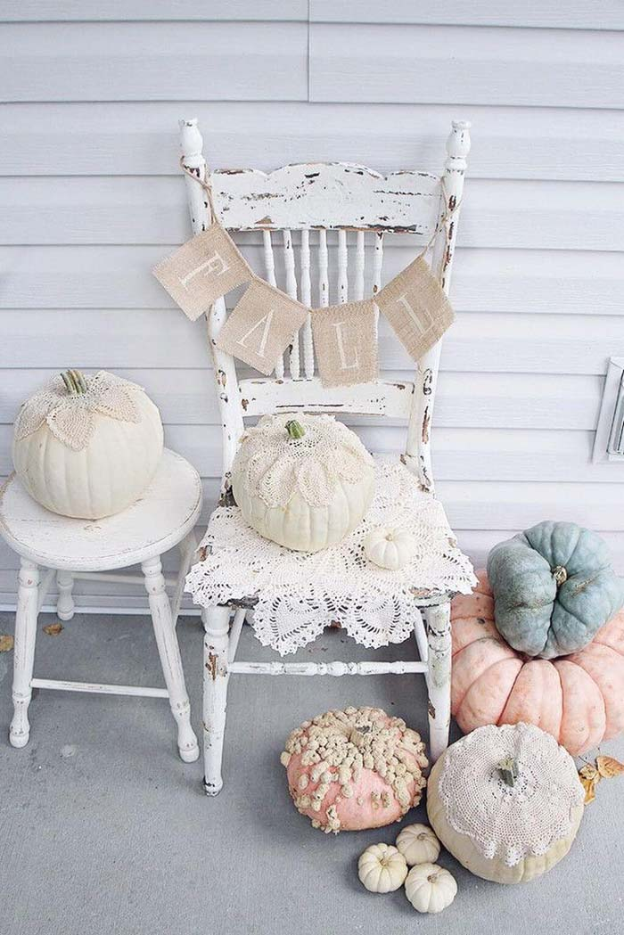Lovely Old Chair with Romantic Rose Pumpkins #rustic #porch #vintage #decorhomeideas